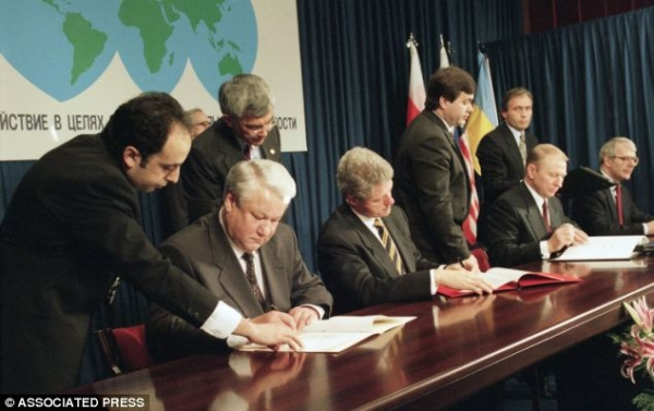 HOW TO STOP RUSSIA'S WAR AGAINST UKRAINE: US & UK KEEP PROMISES MADE IN THE BUDAPEST MEMORANDUM
